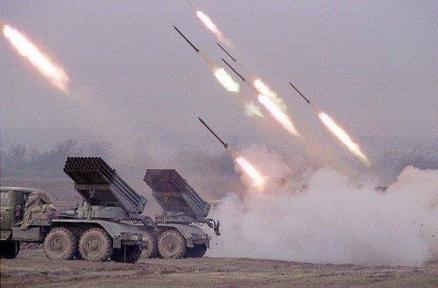 القوة الصاروخية تدك مواقع سعودية في نجران.