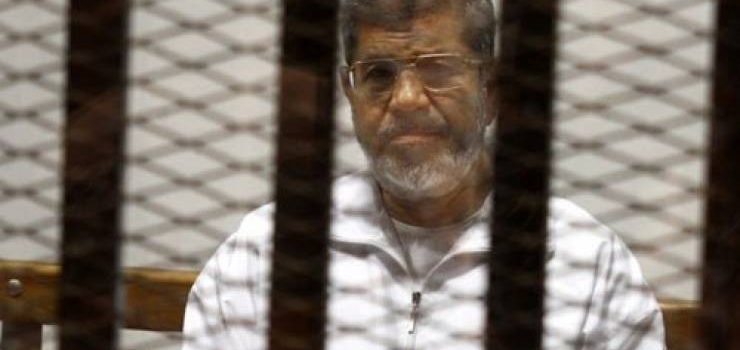 القضاء المصري يلغي حكماً بالسجن مدى الحياة على مرسي.